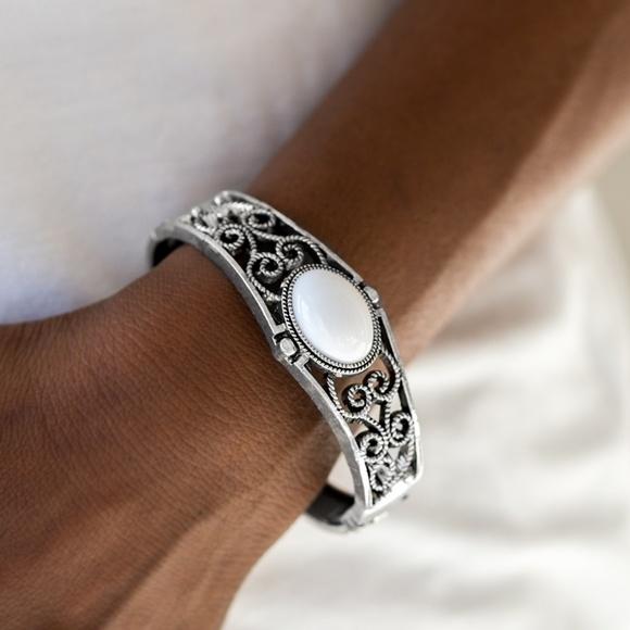 paparazzi Jewelry - Joyful Journeys - White Bracelet